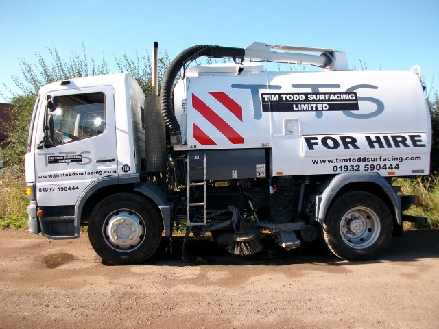 Road sweeper hire Surrey – New road sweeper