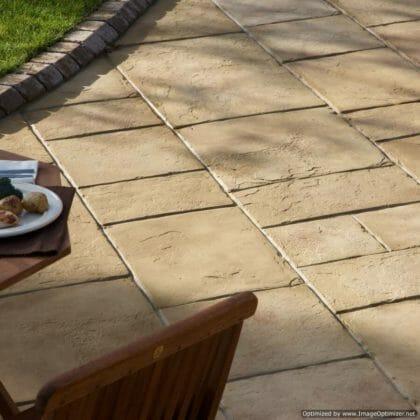 Yorkstone-coach-house-garden-paving